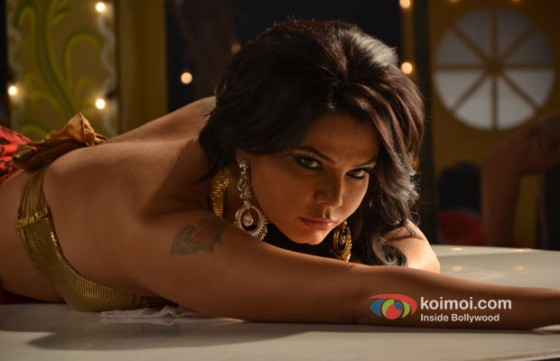 Rakhi Sawant (Rakhtbeej Movie Stills)