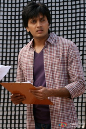Ritesh Deshmukh wonders in Jaane Kahan Se Aayi Hai Movie
