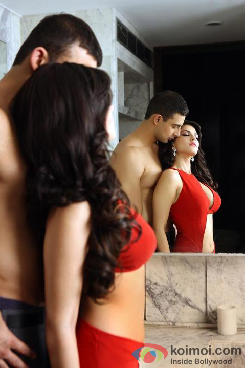 Arunoday Singh and Sunny Leone sizzling hot in Jism 2 Movie Stills