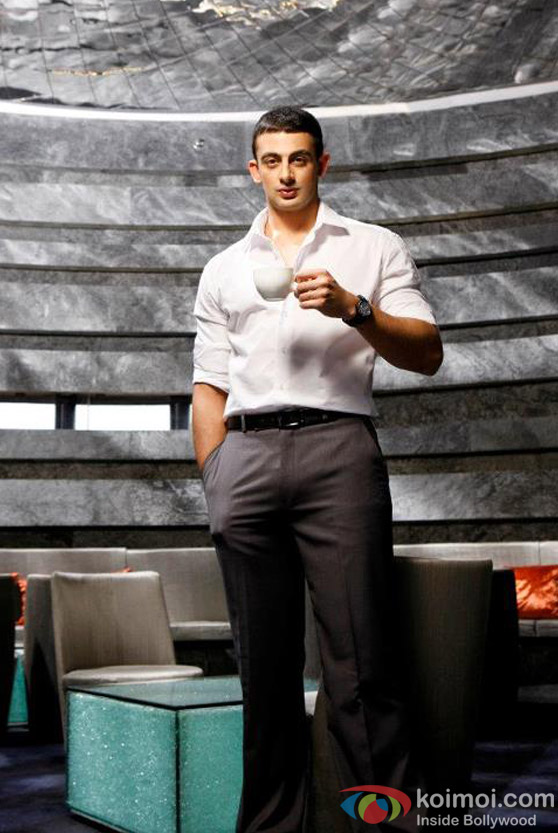 Arunoday Singh dons the serious look in Jism 2 Movie Stills