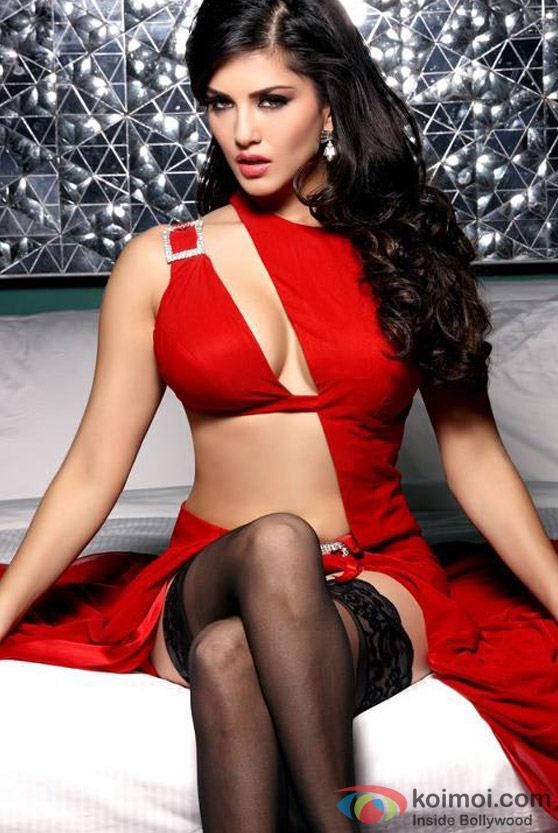 Sunny Leone red hot in Jism 2 Movie