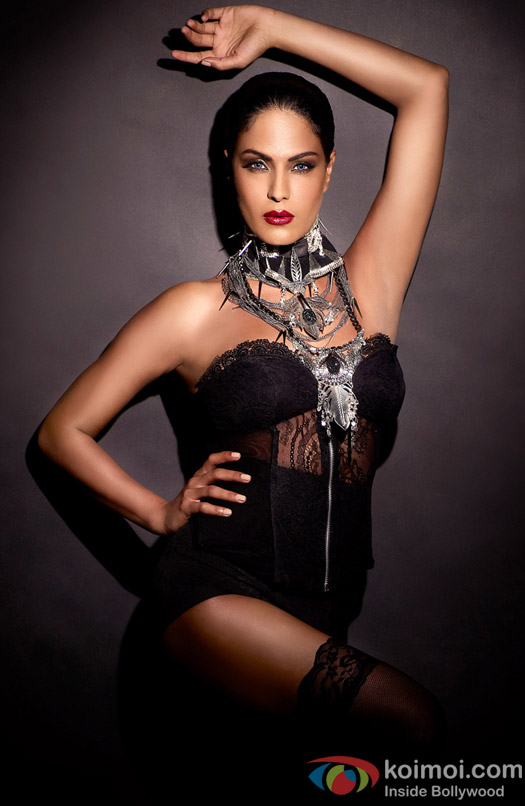 Veena Malik boldly poses in Black