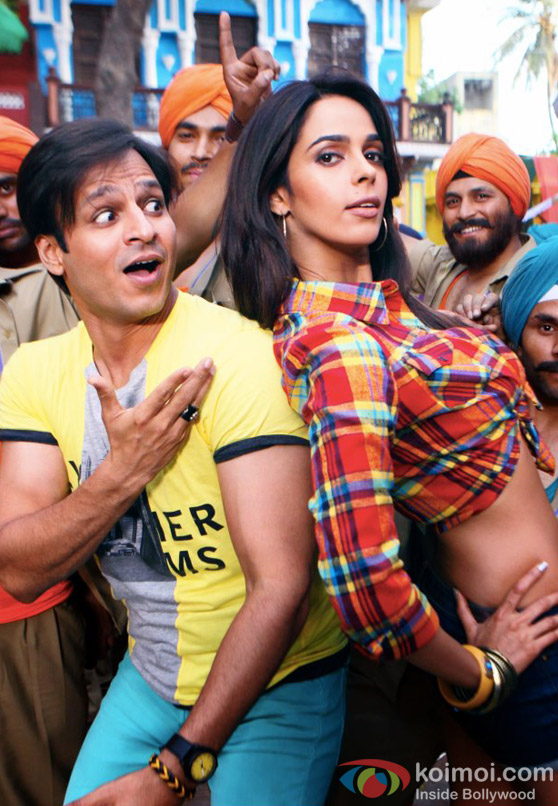 Vivek Oberoi and Mallika Sherawat play the naughty couple in Kismet (Kismat) Love Paisa Dilli Movie Stills