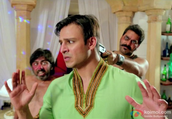 Vivek Oberoi on gun point yet again in Kismet (Kismat) Love Paisa Dilli Movie Stills