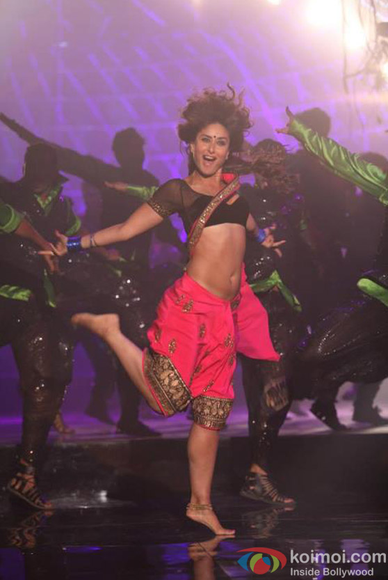 Halkat Moves of Kareena Kapoor in Halkat Jawani Song in Heroine Movie Stills