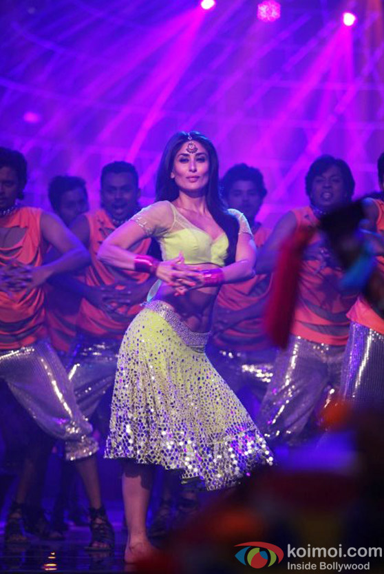 Kareena Kapoor Just Keeps Looking More and More Hot Halkat Jawani Song in Heroine Movie Stills