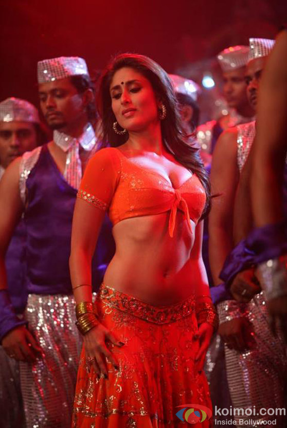 Kareena Kapoor Shaking a leg in Halkat Jawani Song in Heroine Movie Stills