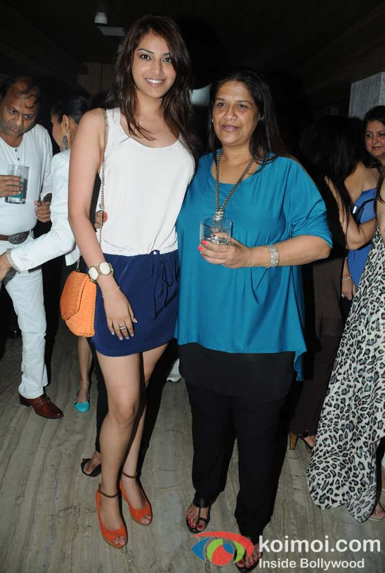 Akansha Ranjan, Mohini at 'Wednesday Bar Nights' Celebration