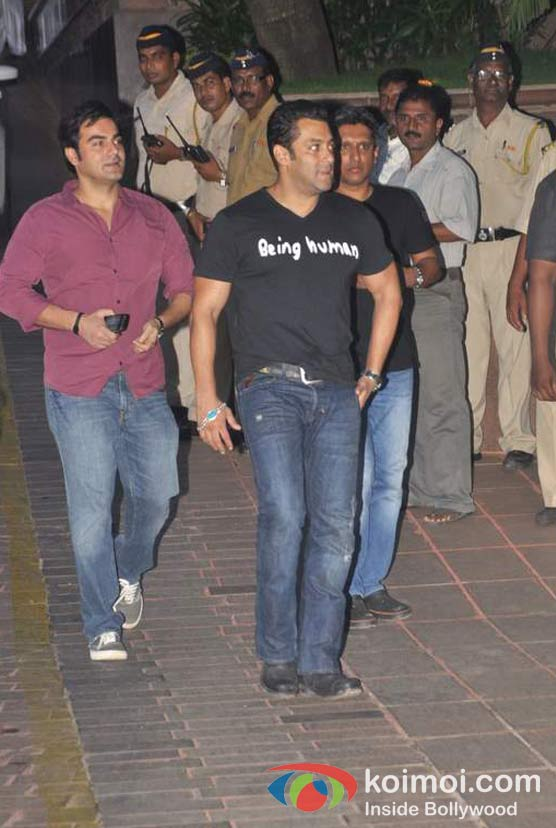 Arbaaz Khan, Salman Khan At Baba Siddique's Iftar Party