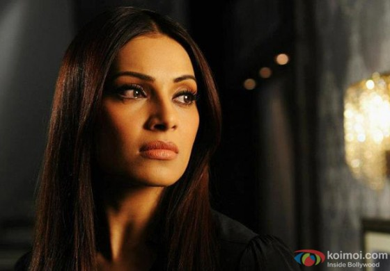 Bipasha Basu feeding on revenge in Raaz 3? Raaz 3 Movie Stills
