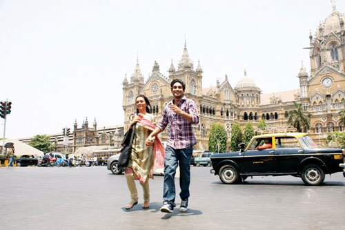 Amy Jackson and Prateik Babbar shooting for Ek Deewana Tha at Chhatrapati Shivaji Terminus