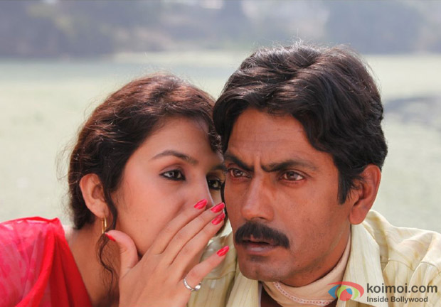 Huma Qureshi and Nawazuddin Siddiqui in Coal Bazaari Song in Gangs Of Wasseypur 2 Movie Stills