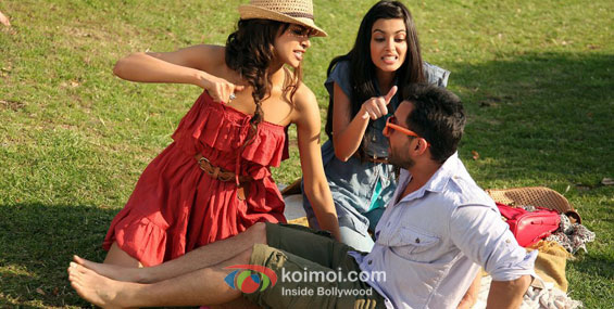 Deepika Padukone, Diana Penty and Saif Ali Khan in Cocktail Movie Stills