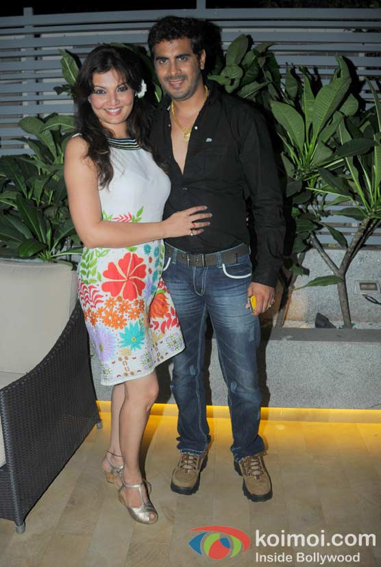 Deepshikha Nagpal, Kaishnav at 'Wednesday Bar Nights' Celebration