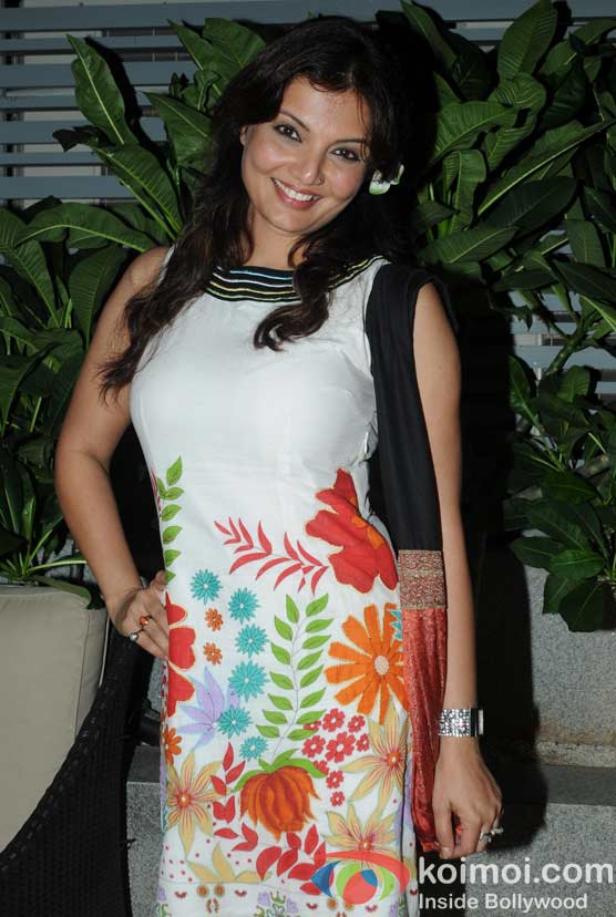 Deepshikha Nagpal at 'Wednesday Bar Nights' Celebration