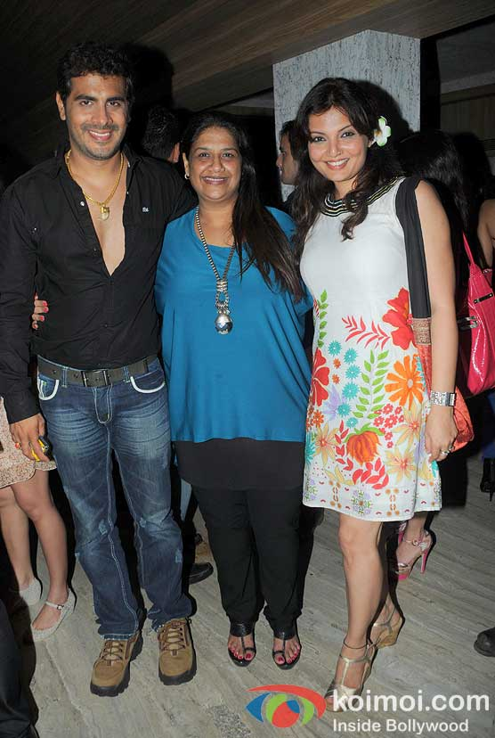 Kaishnav, Mohini, Deepshikha Nagpal at 'Wednesday Bar Nights' Celebration