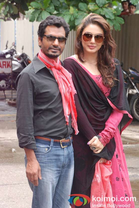 Nawazuddin Siddiqui, Huma Qureshi Of Gangs Of Wasseypur 2 Watches DDLJ