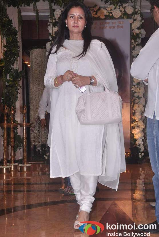 Poonam Dhillon At Rajesh Khanna's Prayer Meet