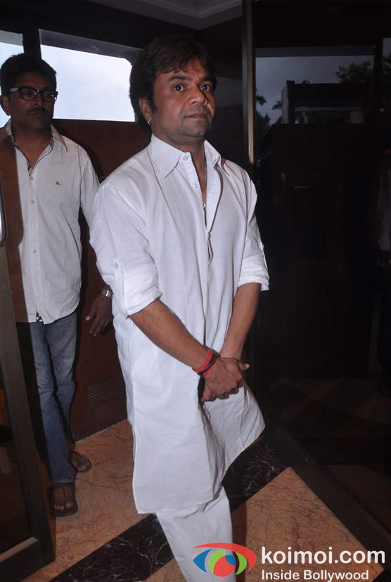 Rajpal Yadav At Rajesh Khanna's Prayer Meet