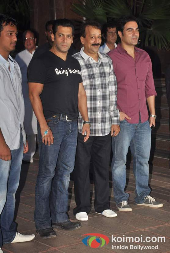 Salman Khan, Arbaaz Khan At Baba Siddique's Iftar Party