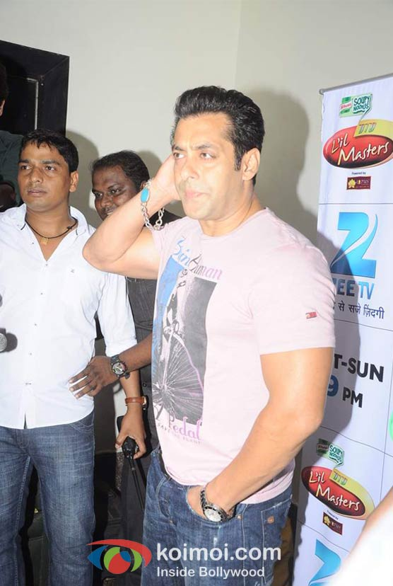 Salman Khan Promote Ek Tha Tiger Movie On The Sets Of DID Lil Masters