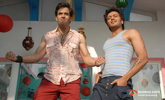 Tusshar Kapoor, Ritesh Deshmukh in Kyaa Super Kool Hai Hum Movie Stills