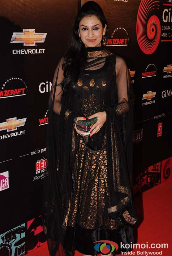 Akruti Kakkar At Global Indian Music (GIMA) Awards 2012 Red Carpet