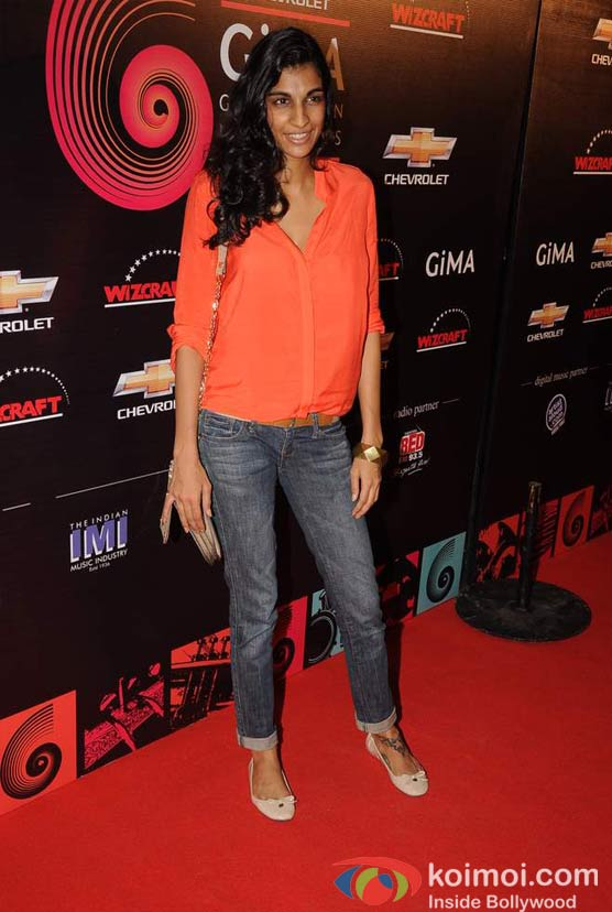 Anushka Manchanda At Global Indian Music (GIMA) Awards 2012 Red Carpet