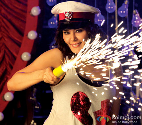 Cute Preity Zinta raises fireworks in Ishkq In Paris Movie Stills