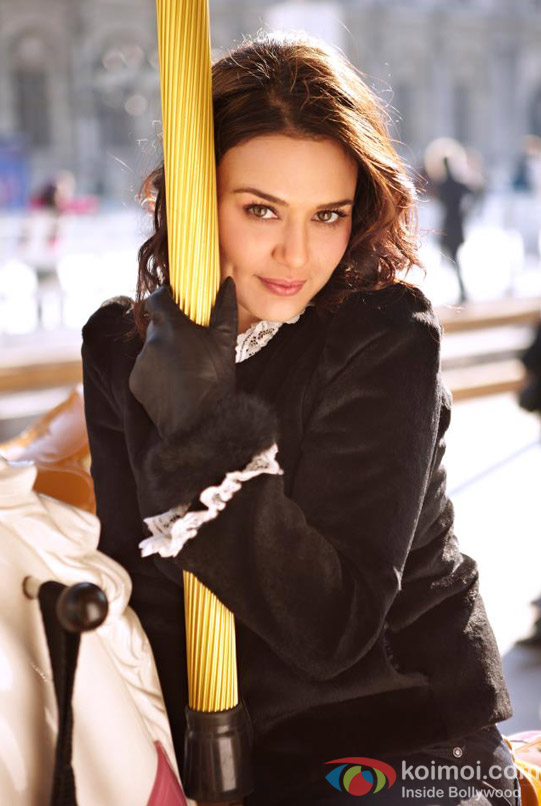 Dimple Queen Preity Zinta poses graciously in Ishkq In Paris Movie Stills