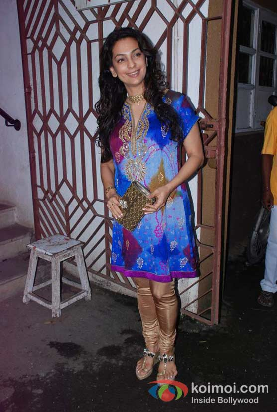 Juhi Chawla At Bharat & Doriss Bridal Fashion Show 2012