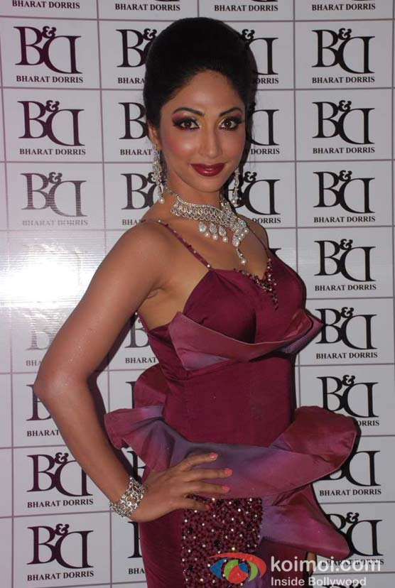 Mouli Ganguly At Bharat & Doriss Bridal Fashion Show 2012