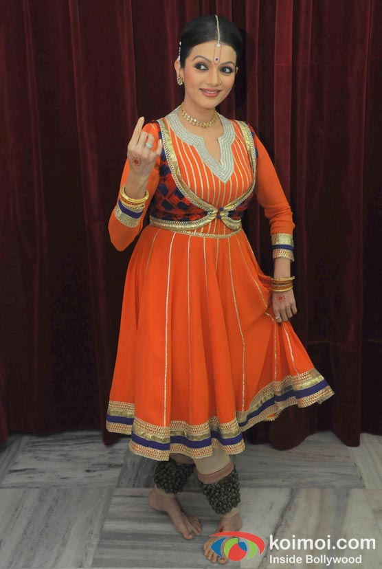 Prachi Shah Performs For The Opening Of Lord Krishna Festival