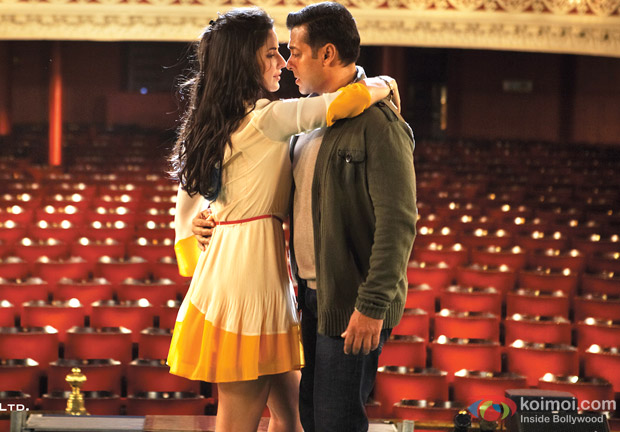 Salman Khan and Katrina Kaif in Saiyaara Song in Ek Tha Tiger Movie Stills