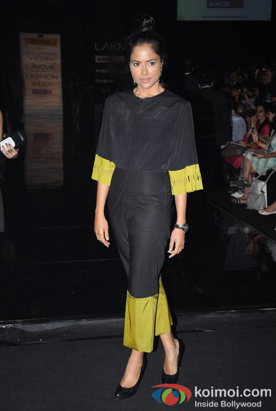 Sameera Reddy At Lakme Fashion Week 2012