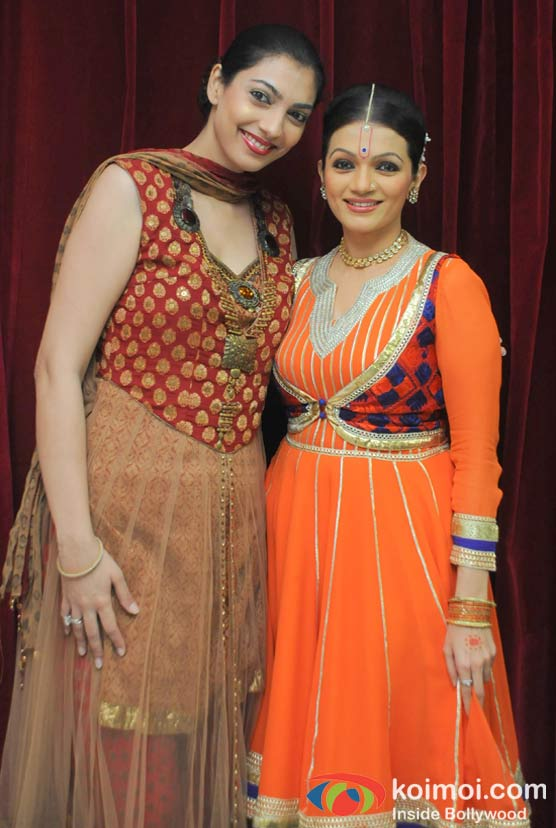 Yukta Mukhey, Prachi Shah Performs For The Opening Of Lord Krishna Festival