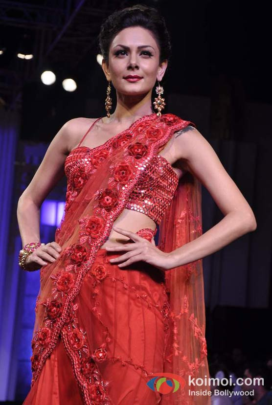 Aanchal Kumar Walks The Ramp For Aamby Valley India Bridal Fashion Week 2012 Day 2