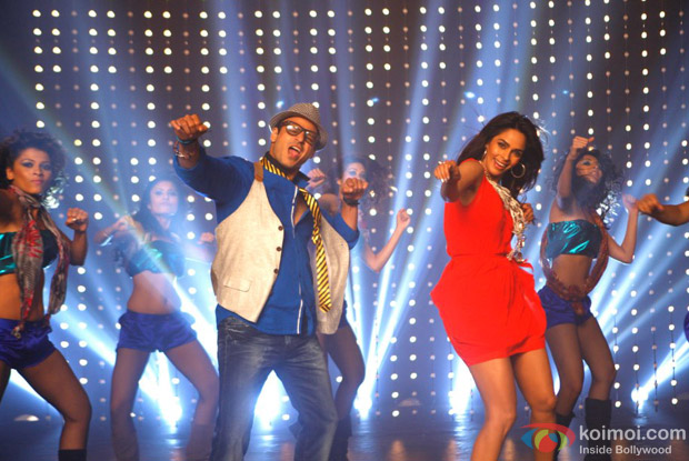 Vivek Oberoi and Mallika Sherawat in Appy Budday Song in Kismet (Kismat) Love Paisa Dilli (KLPD) Movie Stills