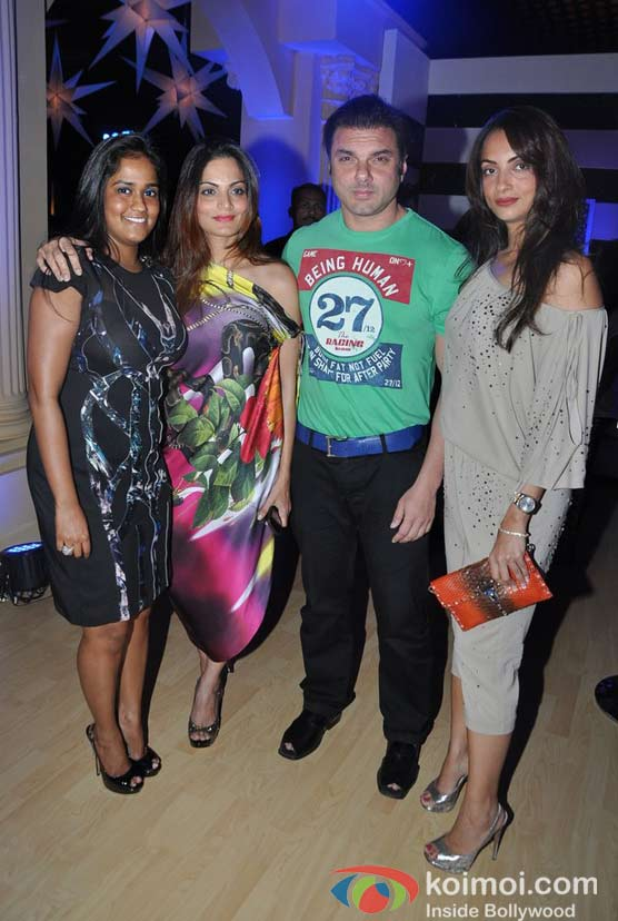 Arpita Khan, Alvira Agnihotri, Sohail Khan, Seema Khan Walk For Shane and Falguni Peacock