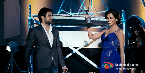 Emraan Hashmi and Esha Gupta (Raaz 3 Movie Stills)