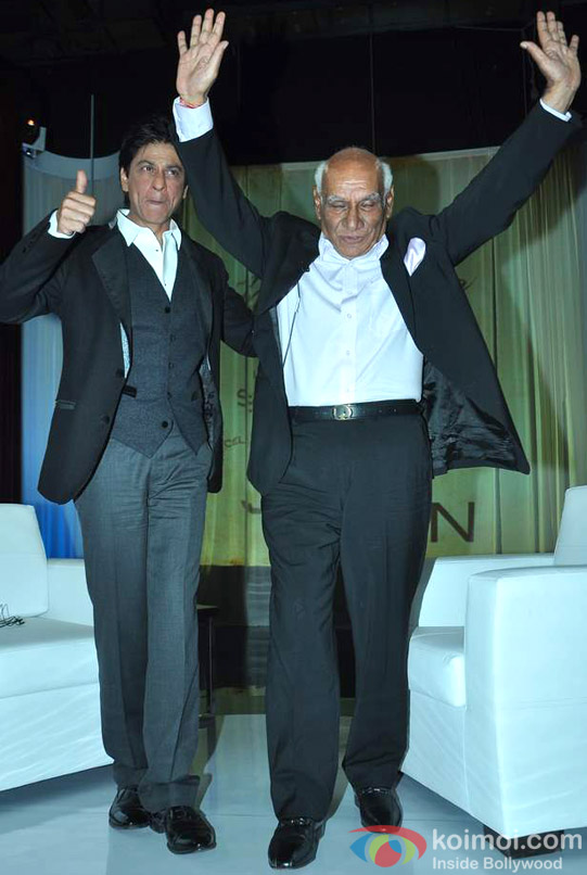Shah Rukh Khan At Yash Chopra's Birthday Pic 3