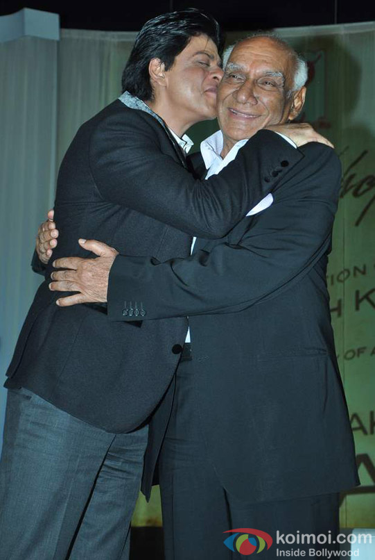 Shah Rukh Khan At Yash Chopra's Birthday Pic 1