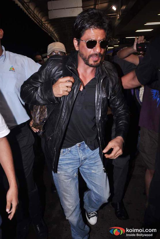 Shah Rukh Khan Snapped Sporting a beard And an Unkempt look at Mumbai International Airport