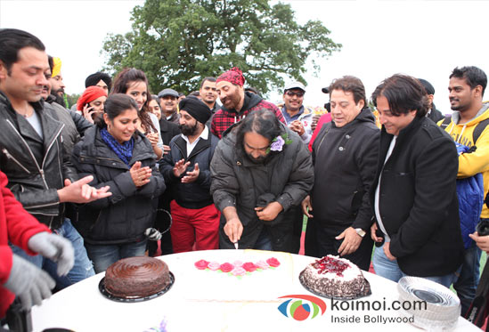 Bobby Deol And Sunny Deol At Sangeeth Sivan's Birthday Bash On The Sets Of Yamla Pagla Deewana 2 Movie  Pic 4