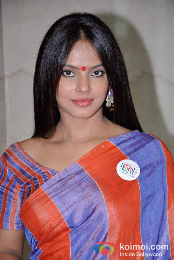 Neetu Chandra At CPAA's Cancer Rose Day 2012 Event Pic 2