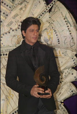 Shah Rukh Khan at GiMa Awards