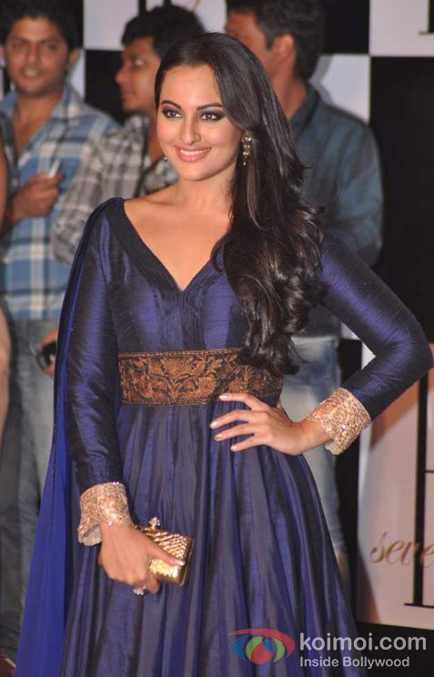 Sonakshi Sinha At Amitabh Bachchan's 70th Birthday Bash
