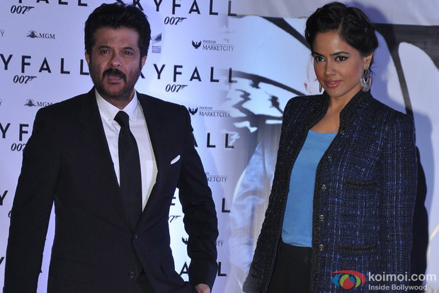 Anil Kapoor and Sameera Reddy At Skyfall Movie Premiere