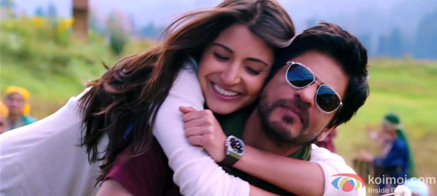 Anushka Sharma and Shah Rukh Khan in a still from jab Tak Hai Jaan Movie
