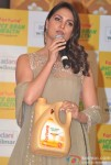 Lara Dutta launches Fortune Rice Bran Health oil Pic 3